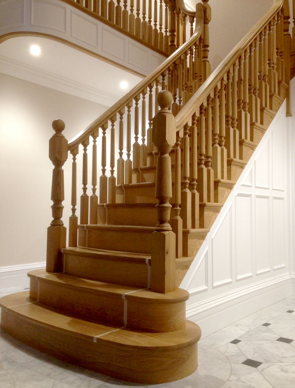 Manufacturer of Stairs Oak